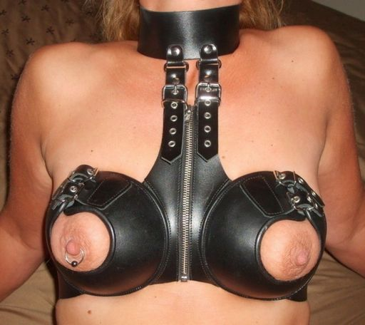 leather bondage bra and collar set