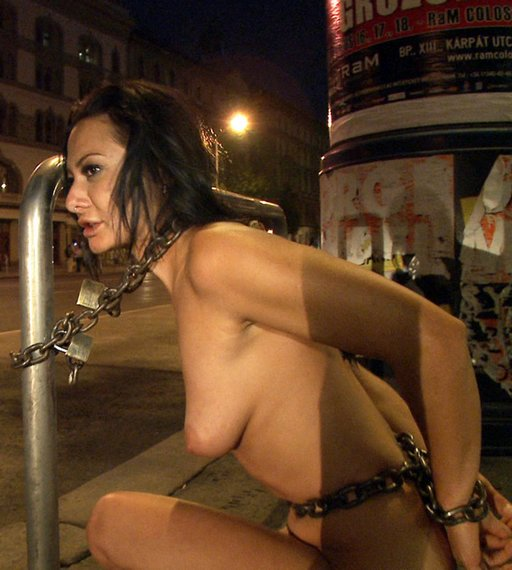 chained-in-public