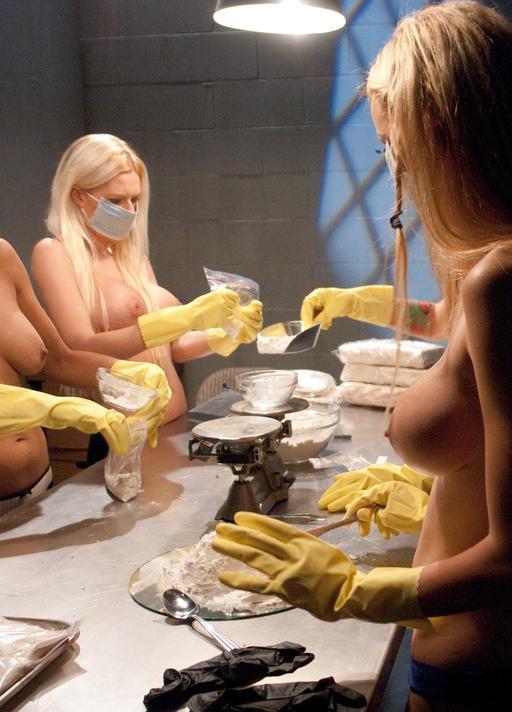 cute blondes packaging drugs