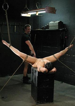 Satine Phoenix tied helplessly to get her pussy whipped