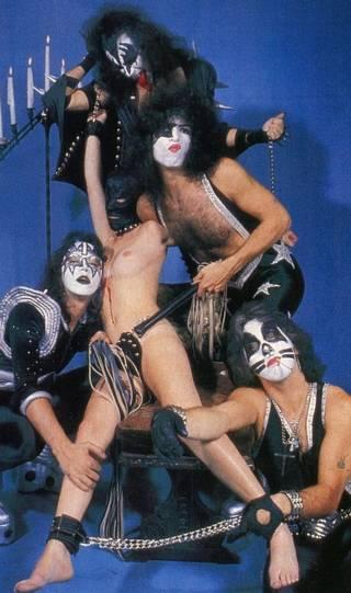 bondage Kiss promo photograph