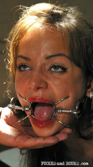 spider gag keeps mouth open for cum