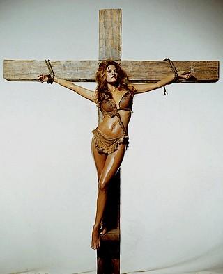 Raquel Welch bondage