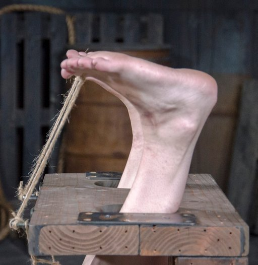 toes tied for falaka punishment