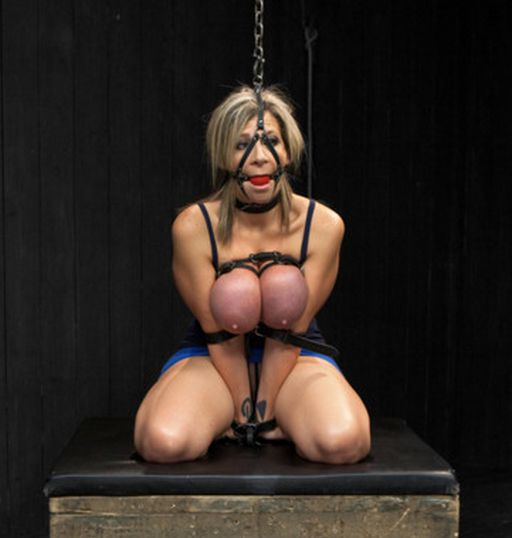 sara jay on her knees in device bondage