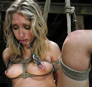 Jaelyn Fox in intense bondage